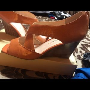 Super cute light orange wedges
